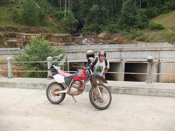 Остатки старой дороги на Пном Бокор