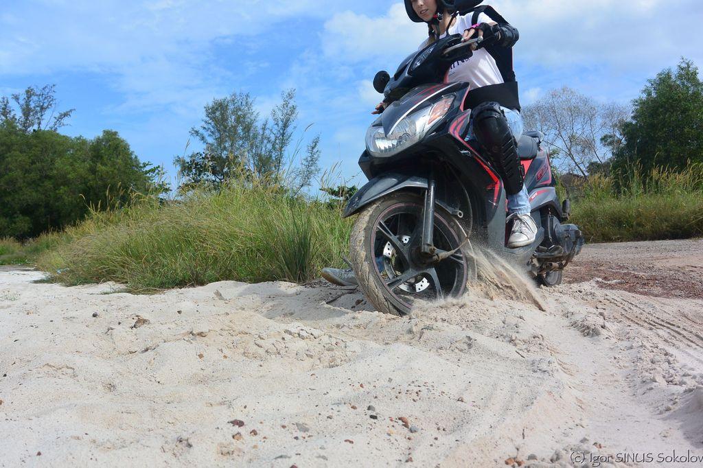 движение по песку с заносом