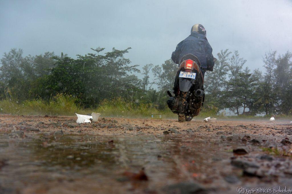 учимся ездить в дождь