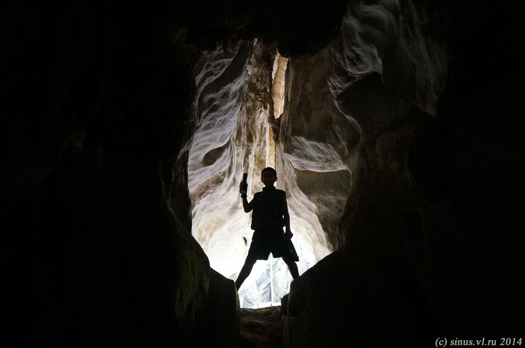 в карстовых пещерах